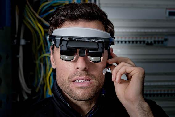 XM Realitys industriella glasögon