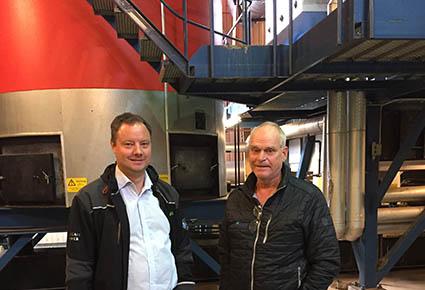 David Frykerås, Againity, och Hans Christoffersson, Alvesta Energi, på Moheda värmeverk